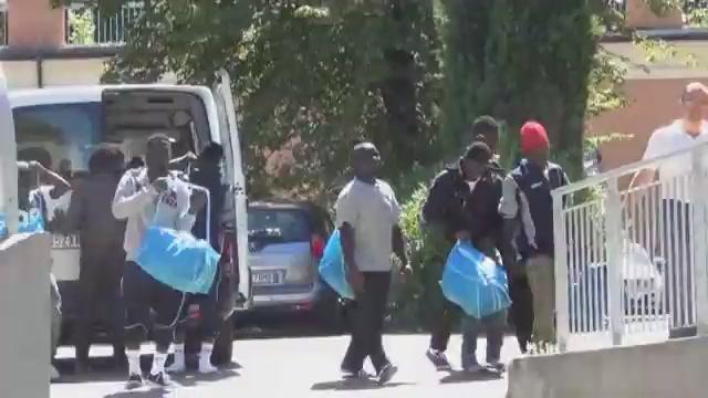 Genova, arrivano nuovi profughi: dalla Fiera alla struttura di Quarto