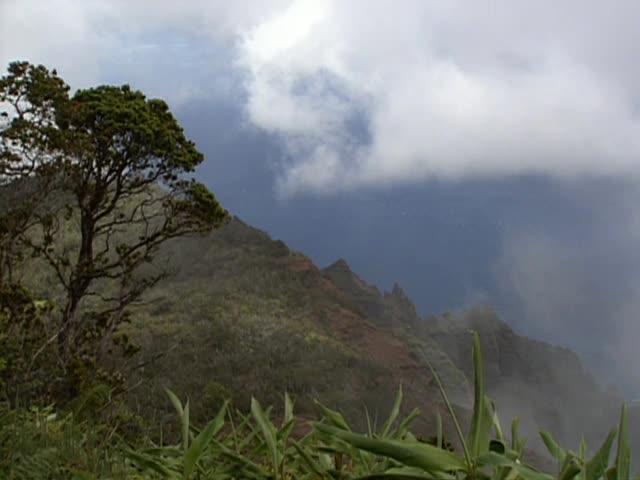 B-roll Kōkeʻe, Kauaʻi