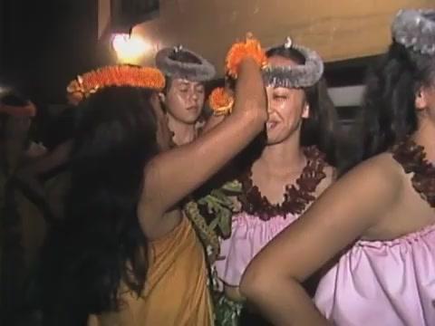 Hālau Mōhala ʻIlima backstage and hula kahiko