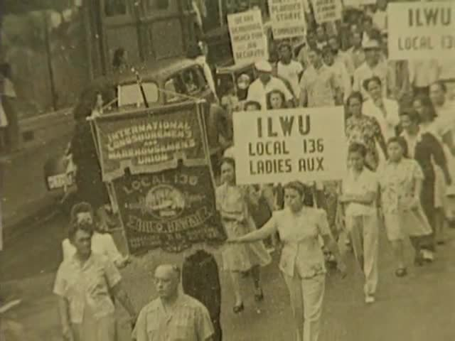 Into the Marketplace : Working-class Women in 20th Century Hawaiʻi