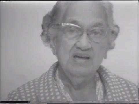 Aunty Marion Pauline Hale-o-Keawe Defries Peters reads and discusses newspaper article