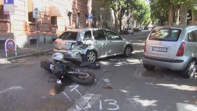 Tragico incidente ad Albaro, muore motociclista: era un poliziotto di Genova