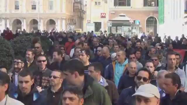 Genova: la protesta dei lavoratori Fincantieri Sestri Ponente