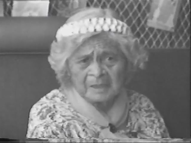 Videololo Presents: Mary Ann Pahukoa