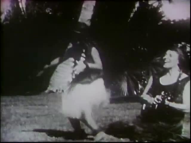 Hula Paʻaloha, Reel IV - The Beamers